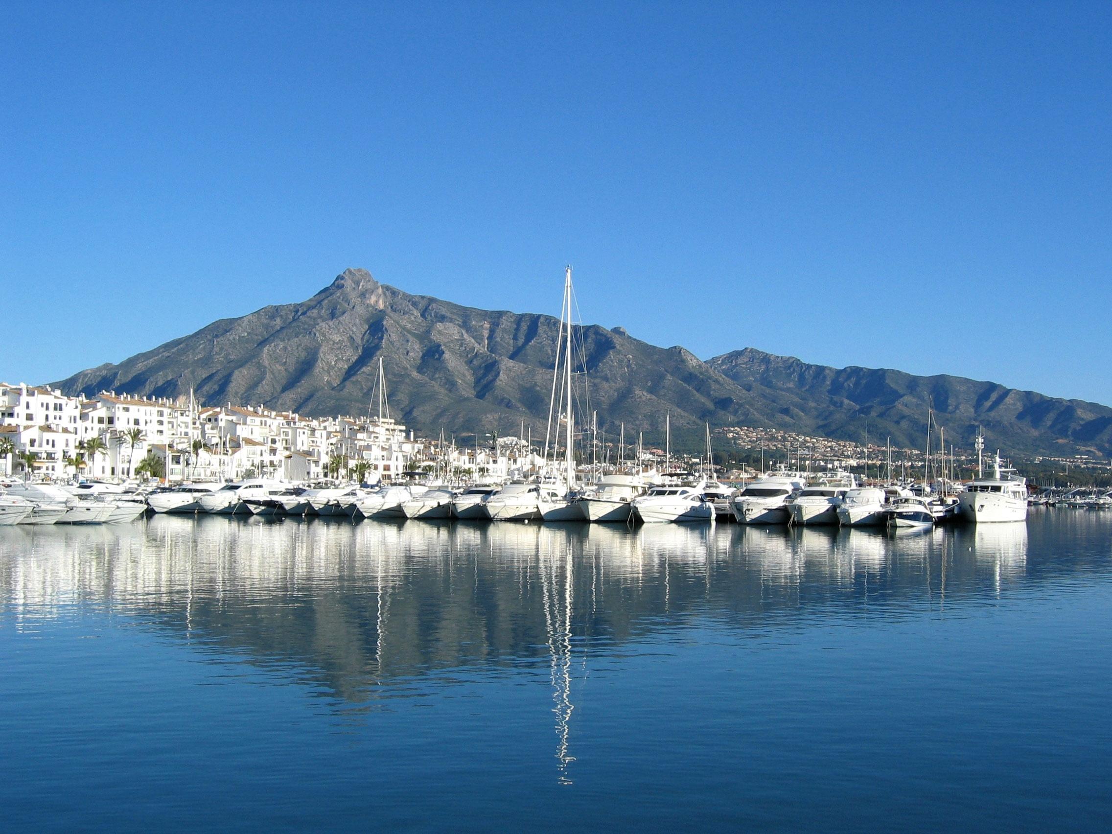 LiveScape Apartments & Villas - Marbella